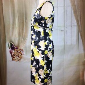 H&M Dresses - H&M Abstract Sleeveless Career Dress